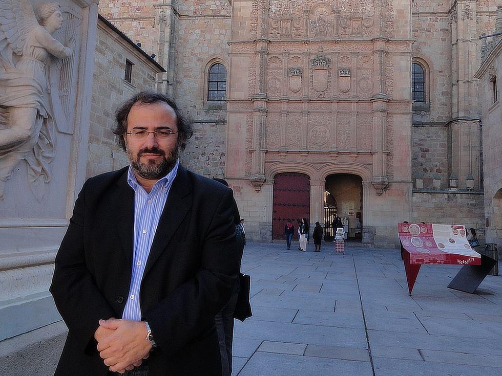A. P. Alencart  en su universidad (por Eduardo Moreno) 2