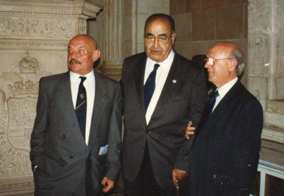 2 José Hierro, Baquero y Alfonso Ortega Carmona, en el Palacio Real Madrid (foto de A. P. Alencart)