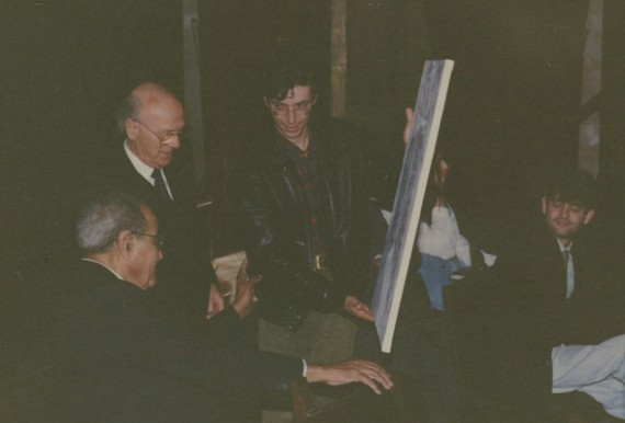 6 Sylvain Malet entregando el cuadro a Baquero, en presencia de Ortega (foto A. P. Alencart)