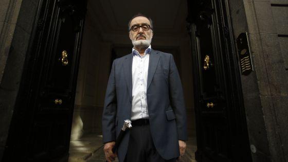 1 el poeta chileno Sergio Macías
