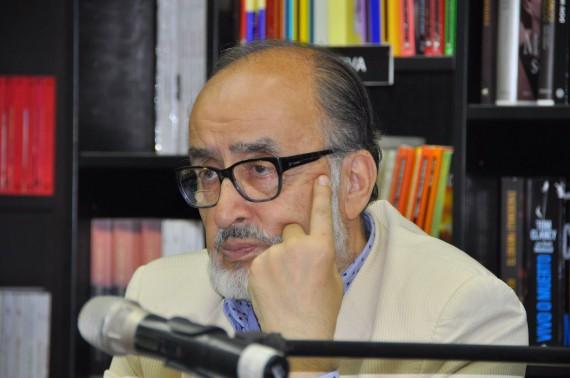 1 El poeta Sergio Macías