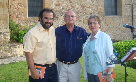 2 Jacobo Rauskin (centro), con Alfredo Pérez Alencart y Carmen Ruiz Barrionuevo