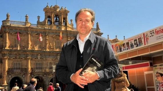 2 Álvaro Valverde en la Feria del Libro de Salamanca (Foto SALAMANCArtv AL DÍA)