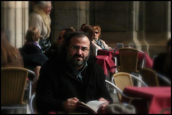 12 El poeta A. P. Alencart, que presidirá el jurado del Premio (Foto de José Amador Martín)
