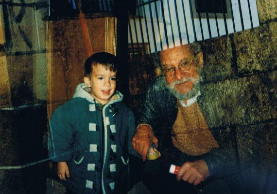 19 Carlos Contramestre y su sobrino José Alfredo (Salamanca, noviembre de 1996)