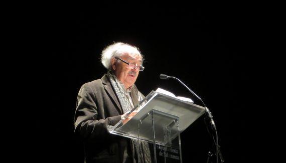 1 Antonio Colinas leyendo eln el XVIII Ecnuentro (2015, Jacqueline Alencar)