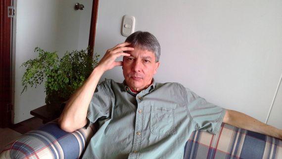 1 El poeta Omar Castillo (foto de Luz Marley Cano)