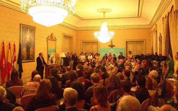 2 Lectura de Antonio Colinas en la Cumbre Poética Iberoamericana (Salamanca, 2005)