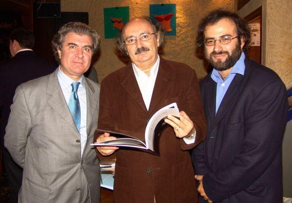 3 César Antonio Molina, Antonio Colinas y Alfredo Pérez Alencart Alencart (Foto de Daniel Mordzinski, 2005)