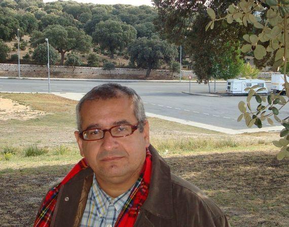 7 El poeta Ernesto Román Orozco (A. P. A.)