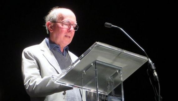3 El poeta brasileño José Eduardo Degrazia(José Amador Martín)