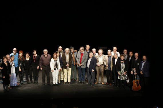 2-grupo-de-poetas-del-xviii-encuentor-en-el-teatro-liceo-de-salamanca-foto-de-a-almeida