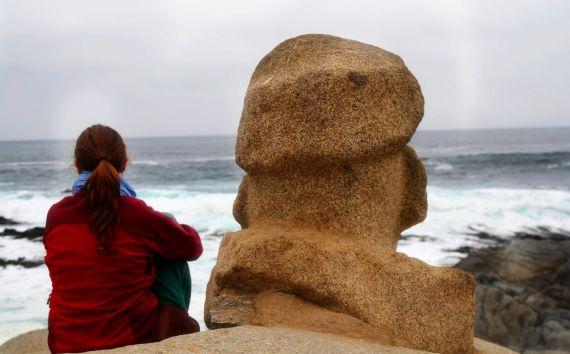 3-neruda-de-espaldas-estatua