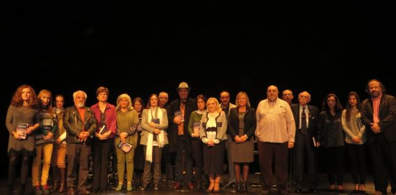 3-poetas-que-asistieron-al-acto-de-presentacion-con-la-consejala-cristina-klimowitz-foto-de-jacqueline-alencar