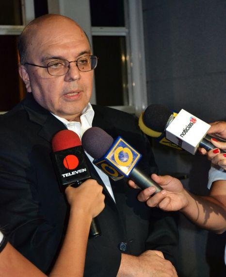 10 El escritor y periodista venezolano Nelson Rivera