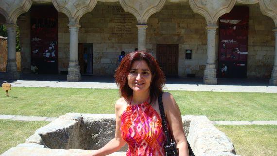 4 Otra imagen de Jacqueline Alencar, esposa del poeta