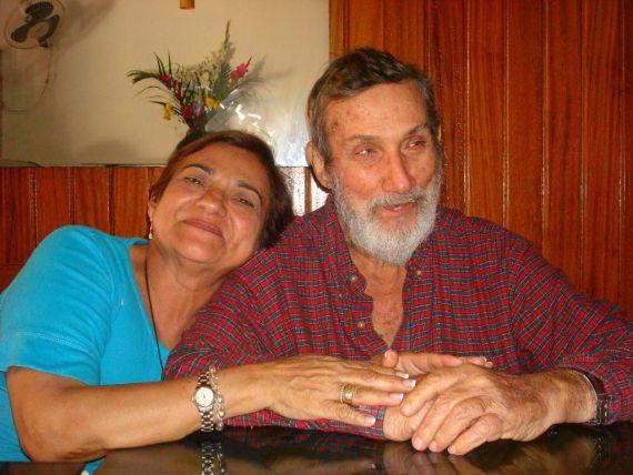 8 Rosa Alencart y Alfredo Pérez Troncoso, padres del poeta, cincuenta años después (1024x768)