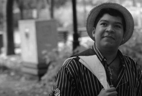 10 El poeta panameño Javier Alvarado