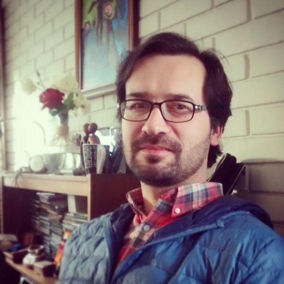 3B El poeta, pastor y editor Luis Cruz Villalobos