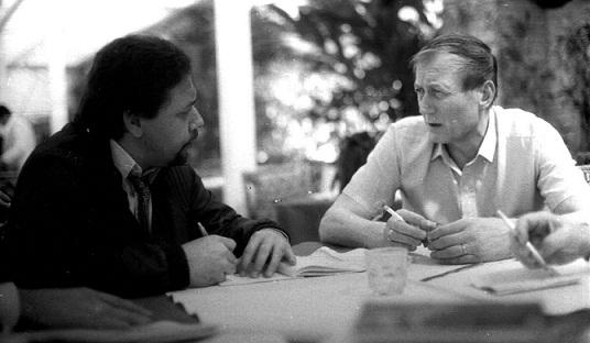 5 El poeta ruso Evgueni Evtuchenko y José Pulido en Caracas