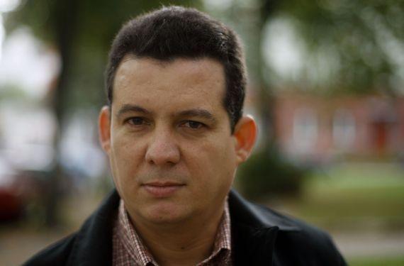1El escritor cubano Amir Valle