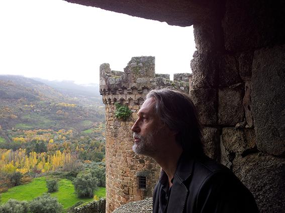 1 El poeta burgalés Ilia Galán