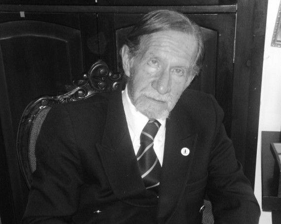 3 El poeta Jaime García Maffla