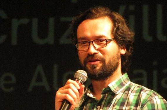 4 El poeta Luis Cruz-Villalobos