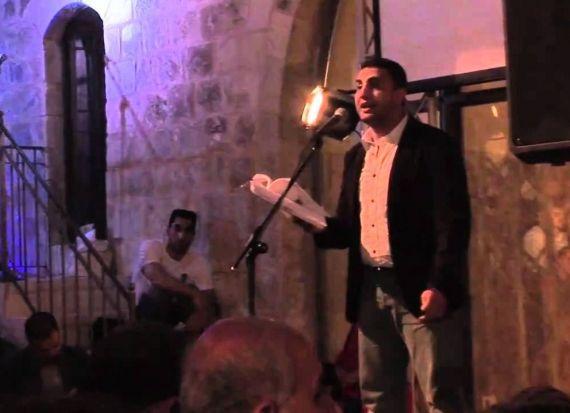 8 Najwan Darwish leyendo sus versos