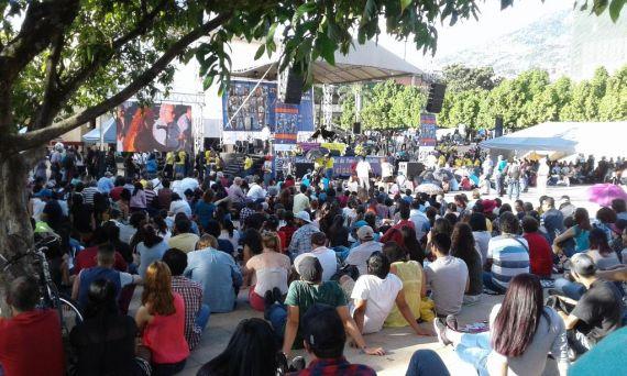 1 Parque de los Deseos de Medellín, el día de la inauguración, el 8 de julio