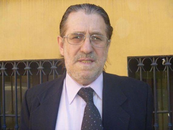 11 El escritor y periodista argentino Hugo Muleiro