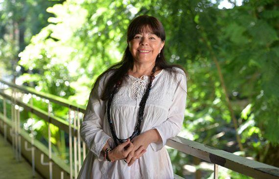 5 La directora de la Facultad de Letras Españolas, María Guadalupe Flores Grajales