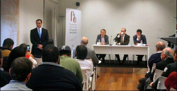 6 Torres Rechy en el salón de actos del Centro de Estudios Brasileños de la Universidad de Salamanca