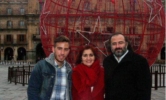 9 José Alfredo, Jacqueline y Alfredo (Navidades de 2014. Foto de José Amador Martín)