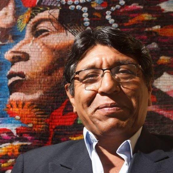 1 El poeta peruano Sixto Sarmiento