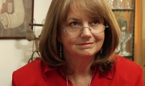 1 La poeta Astrid Fuguellie Gezan