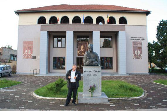 7 Gheorghe Vin_an en el Centro Cultural Lucian Blaga