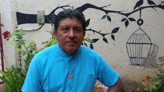 1 El poeta mexicano Gumercindo Tun Ku