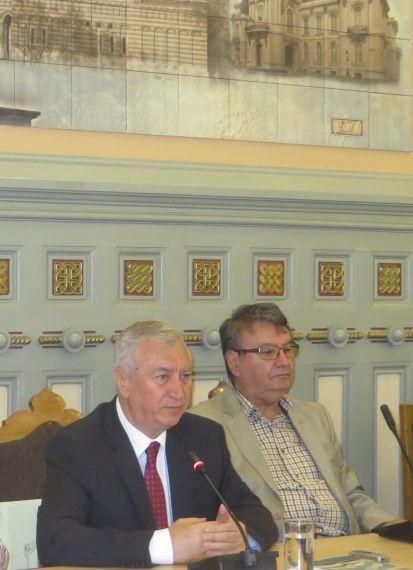 12 Ion Prioteasa, presidente de la Región de Dolj, e Ion Deaconescu