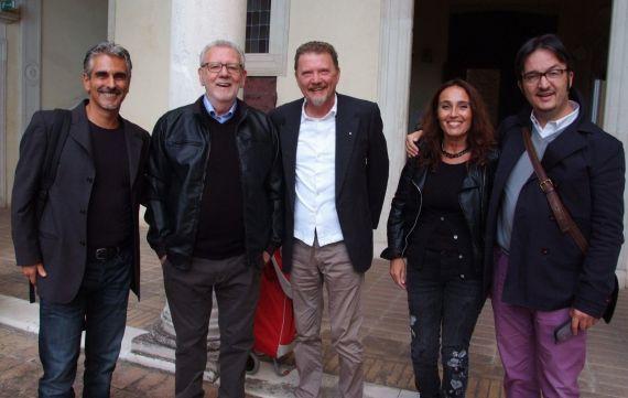 13 Otra imagen tras la presentanción de 'Mal de amor' en Urbino