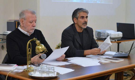7 Óscar Hahn y el poeta, profesor y traductor Gianni Darconza (2017)