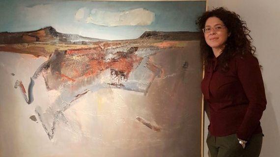 1 Macarena Ruiz con una de sus obras