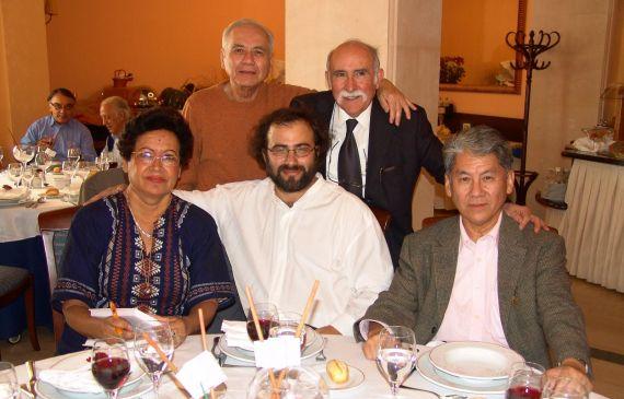 12 Ana Ilce Gómez, Pompeyo del Valle, A. P. Alencart, Luis Frayle Delgado y Pedro Shimose. Atrás, Eugenio Montejo y César López (foto de Jacqueline Alencar)