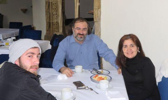 17 José Alfredo, Alfredo y Jacqueline, en Évora (Portugal, 2017)
