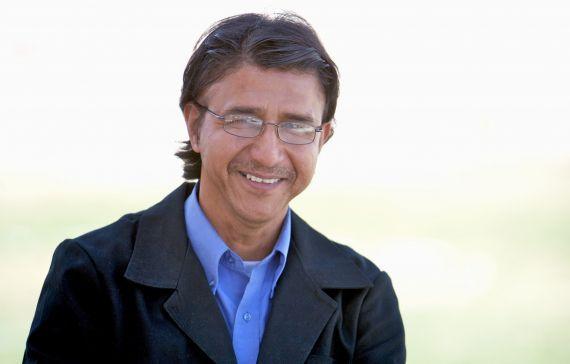 6 El poeta George Reyes