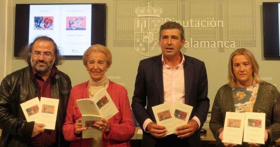 7 A. P. Alencart, Pilar Fernández Labrador, Julián Barrera e Inmaculada G. Salas, con los libros ganador de la IV edición