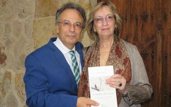 7 Pulido y la poeta portuguesa Maria do Sameiro Barroso (foto de Jacqueline Alenacr)