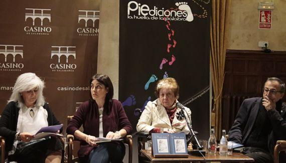 7 Montserrat Villar, Elena Díaz Santana, Caridad Hernández Barbero y Miguel Elías, el día de la presentación en el Casino de Salamanca