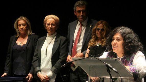 8 Paura Rodríguez Leytón, tras recibir el Accésit en el Teatro Liceo de Salamanca