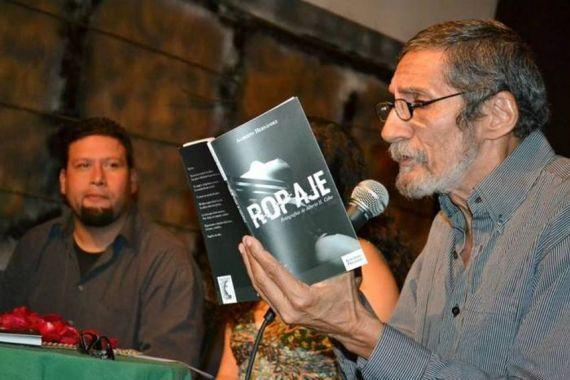 6 El poeta y narrador Alberto Hernández